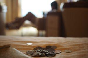 Obekvämt att påminna om skulder