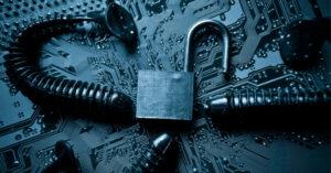 Mer än hälften av företagen säger att cyberattackerna blivit för svåra att stoppa med interna resurser