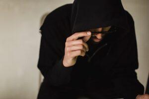 Svenskarna undviker att ta ställning i samhällsfrågor av oro för näthat