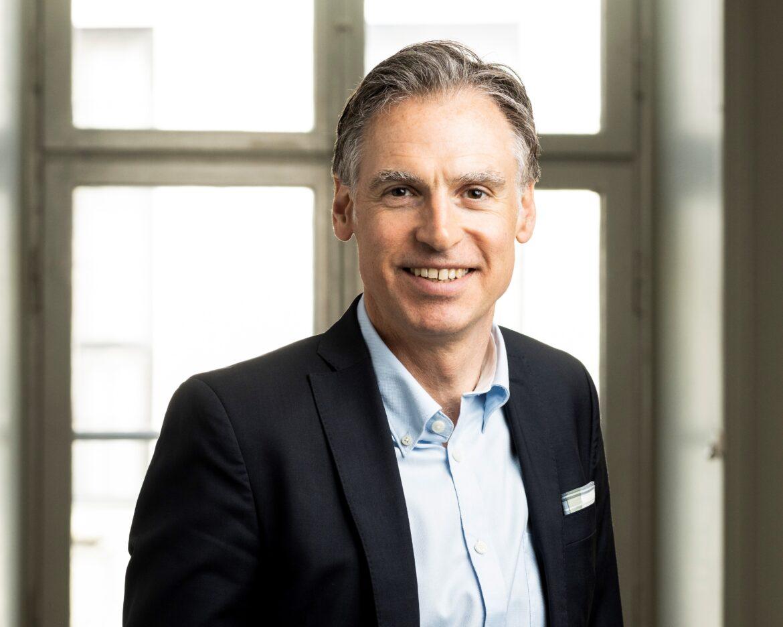 Med Board vill han få ekonomifunktionen i svenska bolag att levla upp