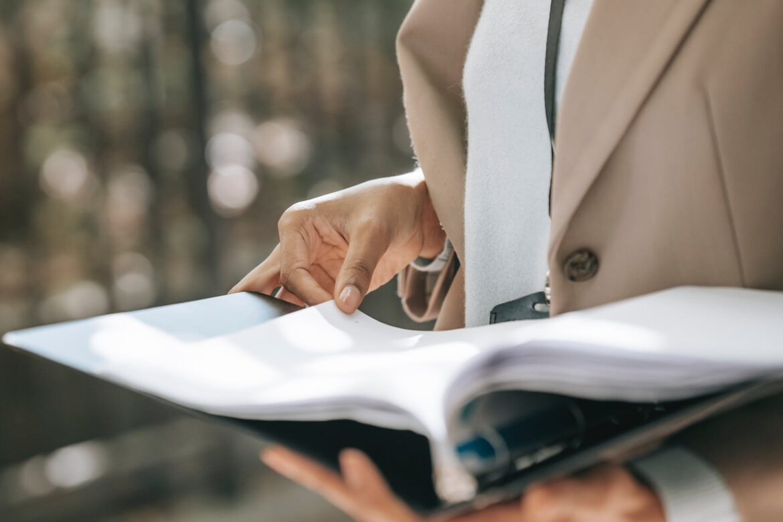 Många unga kvinnor anser sig sakna privatekonomisk kunskap