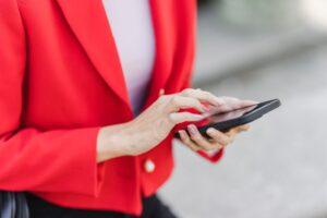 Din telefon lyssnar på dig och hjälper marknadsförare att rikta in sig mot dig